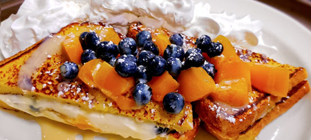French toast with fruit filling